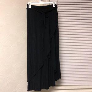 High low black skirt